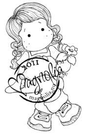 15986-1-Magnolia-BD11-Tilda-With-Daffodil